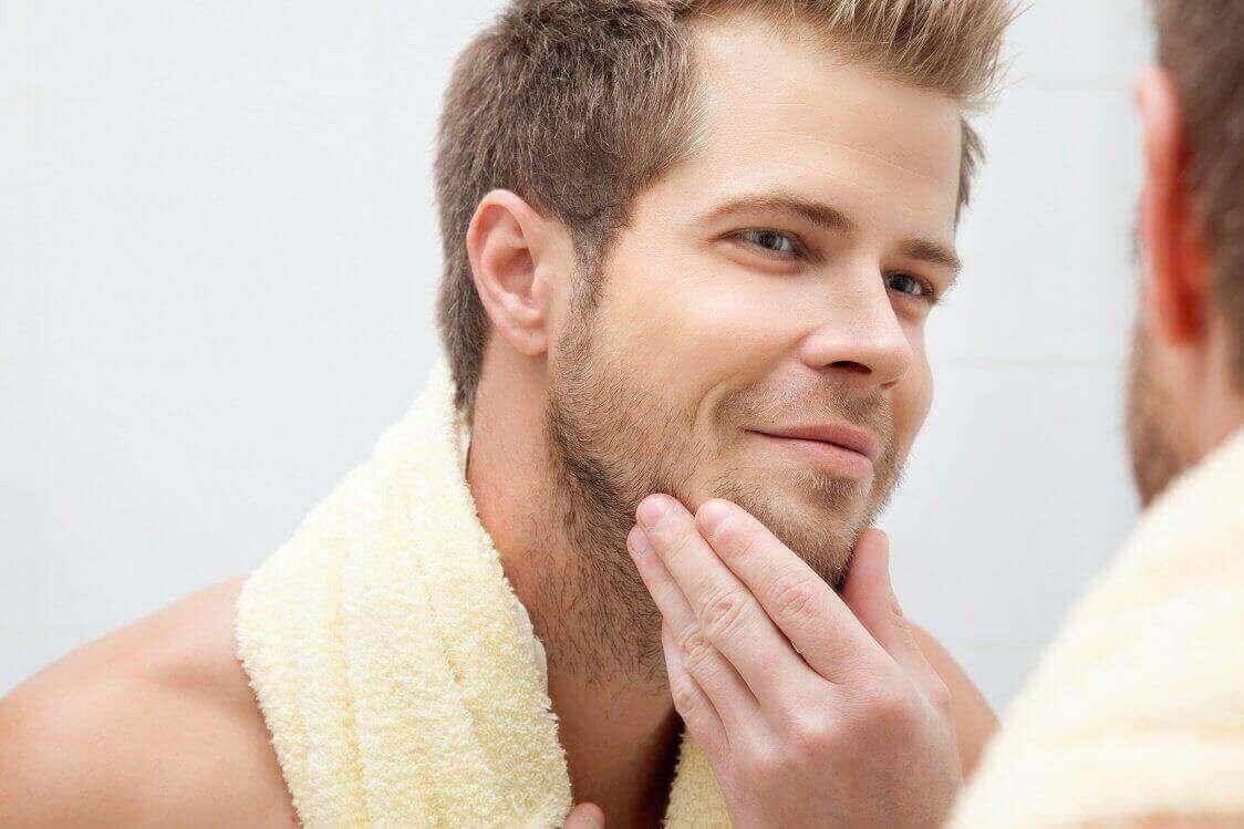 Почистване на лице при мъже